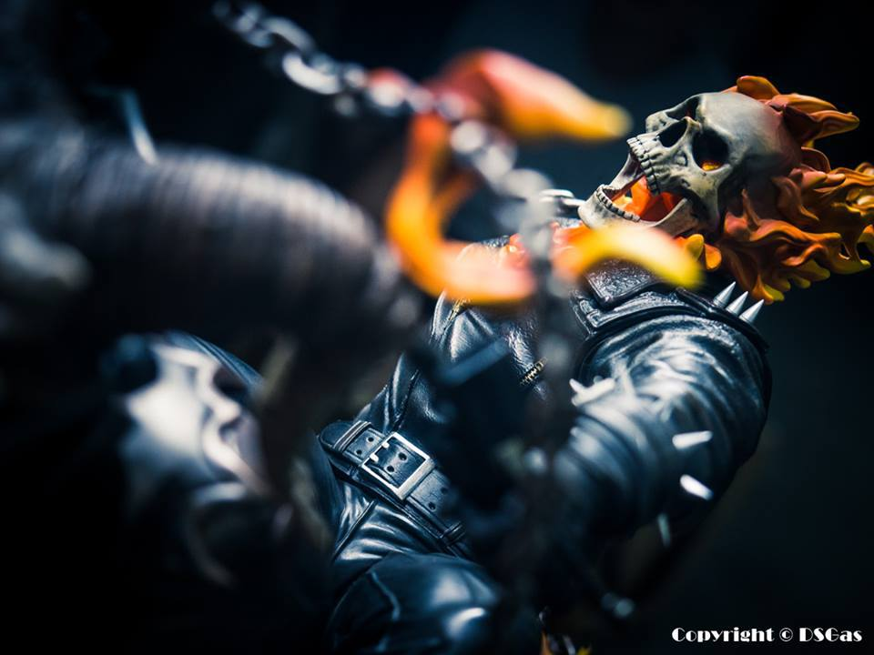Premium Collectibles : Ghost Rider - Page 5 7eosvk