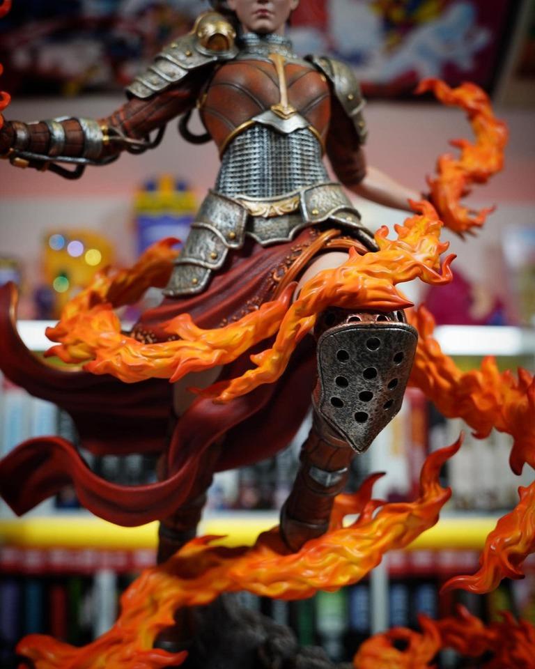 Premium Collectibles : MTG - Chandra Nalaar 1/4 Statue 7mtk8y