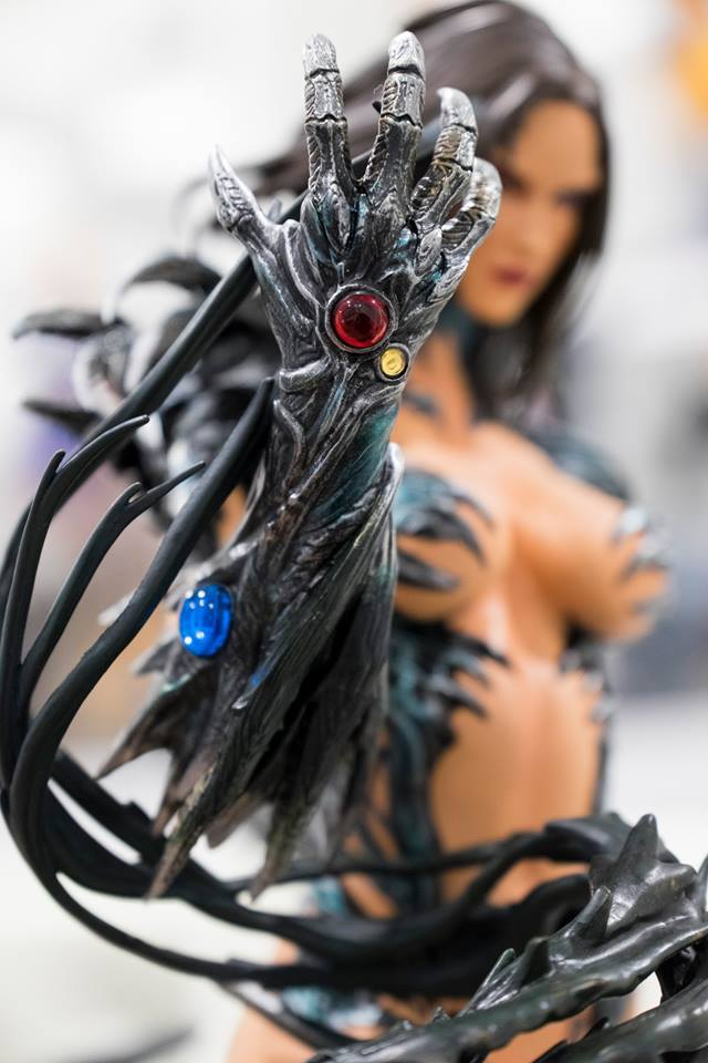 Premium Collectibles : Witchblade - Page 4 7omzpz