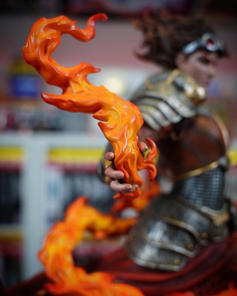 Premium Collectibles : MTG - Chandra Nalaar 1/4 Statue 824ku9