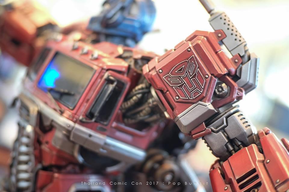 Premium Collectibles : Transformers - Optimus Prime (G1) 82xsc4