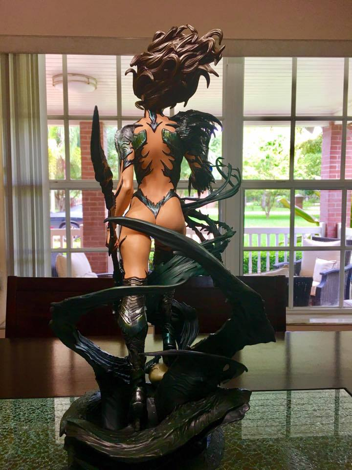 Premium Collectibles : Witchblade - Page 4 831skg
