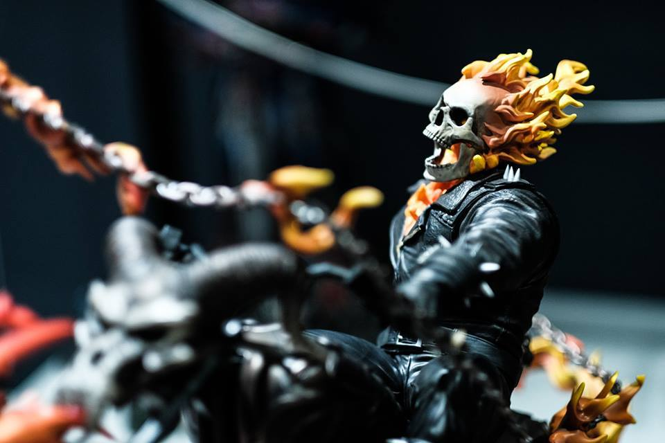 Premium Collectibles : Ghost Rider - Page 6 854swi