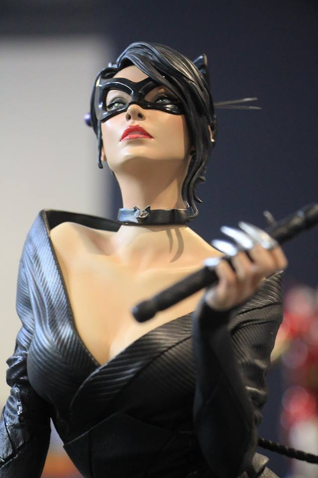Premium Collectibles : Catwoman - Page 3 8861qhh
