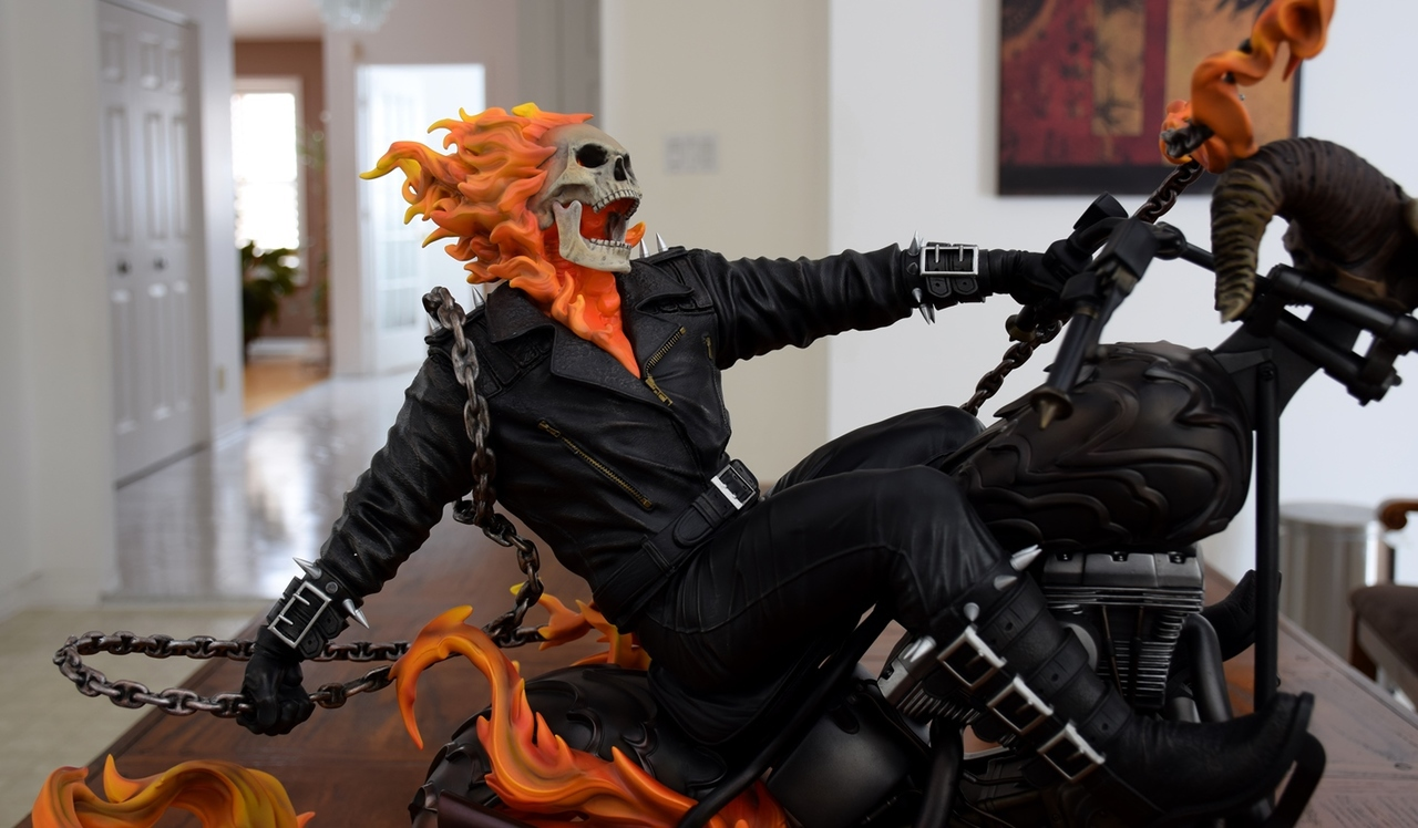 Premium Collectibles : Ghost Rider - Page 4 8abuio