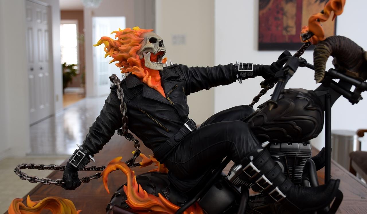 Premium Collectibles : Ghost Rider - Page 4 8abuio