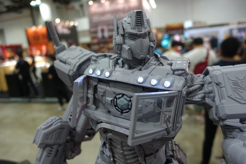 Premium Collectibles : Transformers - Nemesis Prime (G1) 8jijae