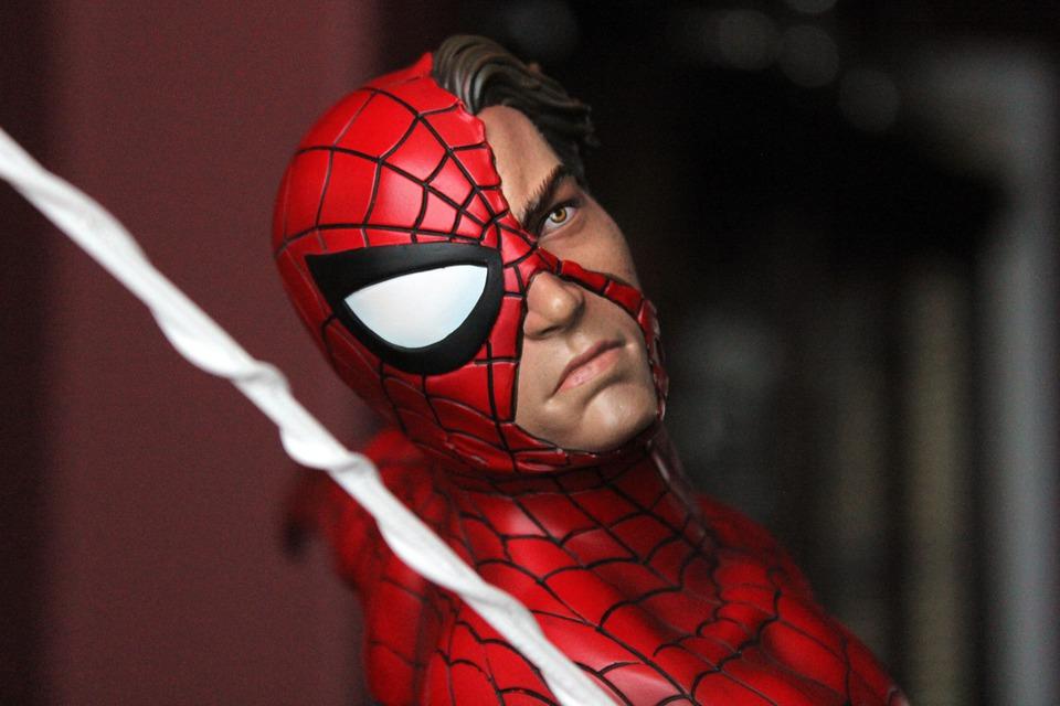 Premium Collectibles : Spiderman** - Page 2 8pejxk