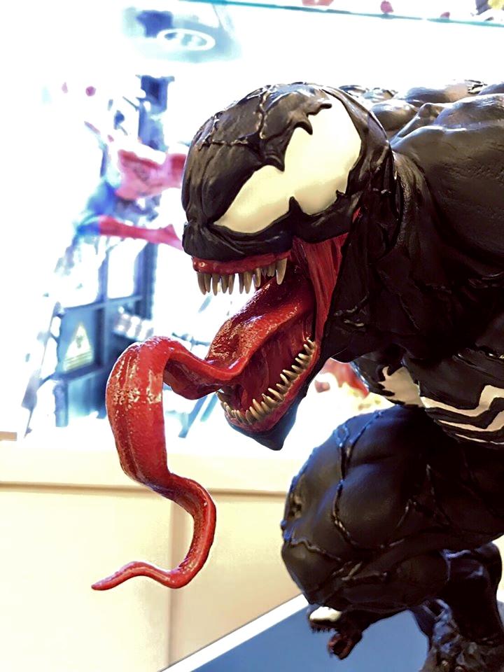 Premium Collectibles : Venom - Comics Version - Page 5 8sju5n