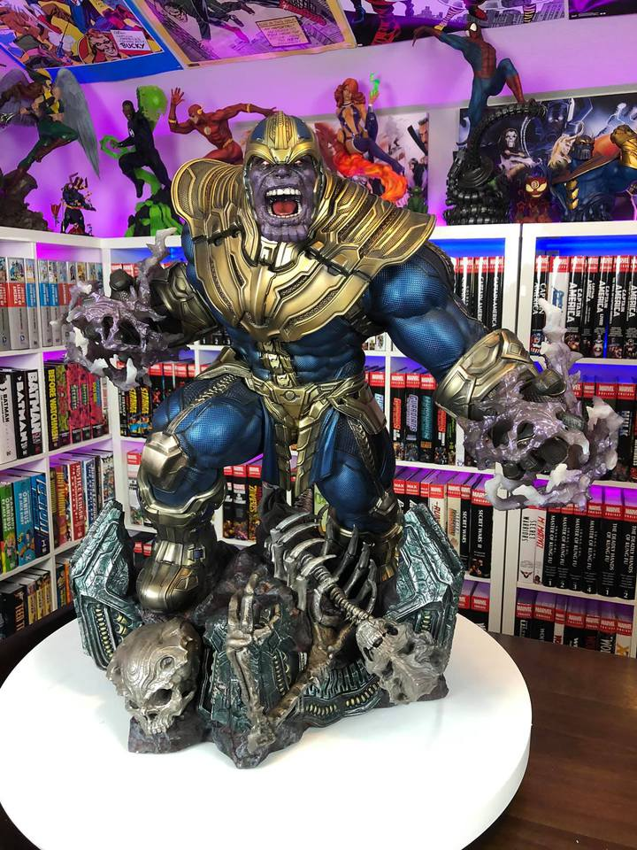 Premium Collectibles : Thanos and Lady Death 8vskrx