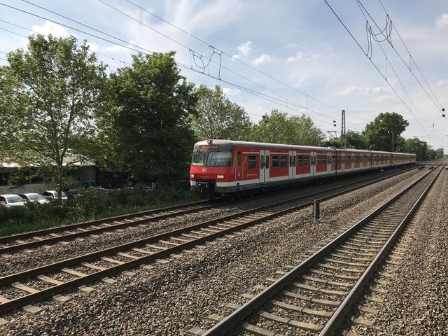 94 80 0420 422-8 D-DB S68 Düsseldorf Garath