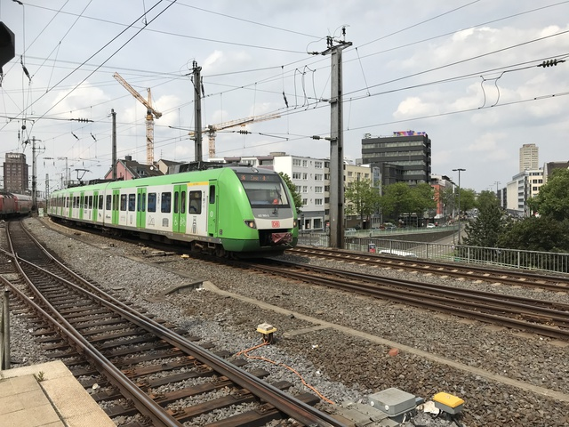 94 80 0 442 593-3 D-DB S6 Köln Hbf
