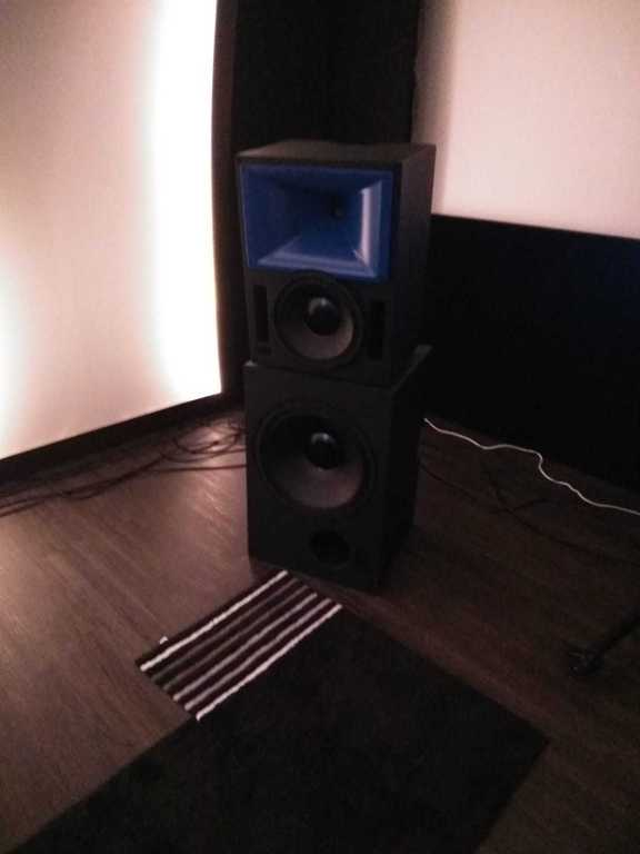 Meyer Sound Bluehorn System - Paul's-Reference Hifi-Forum