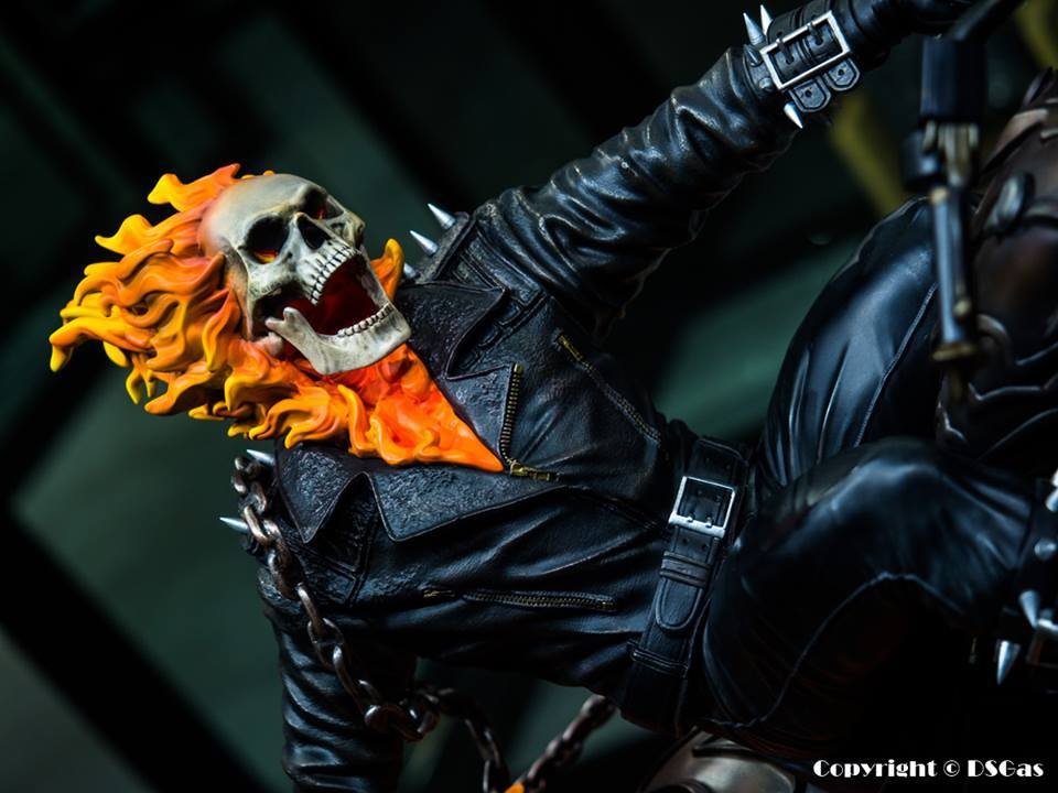 Premium Collectibles : Ghost Rider - Page 5 9k7s9i