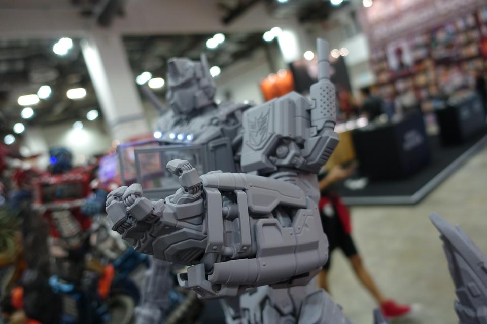Premium Collectibles : Transformers - Nemesis Prime (G1) 9o6jvy