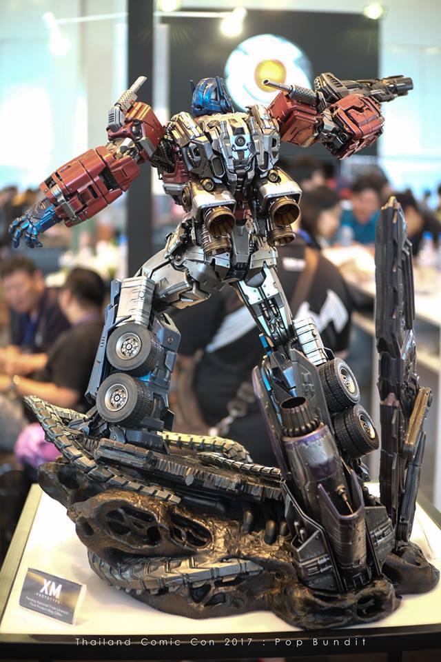 Premium Collectibles : Transformers - Optimus Prime (G1) 9pnsme