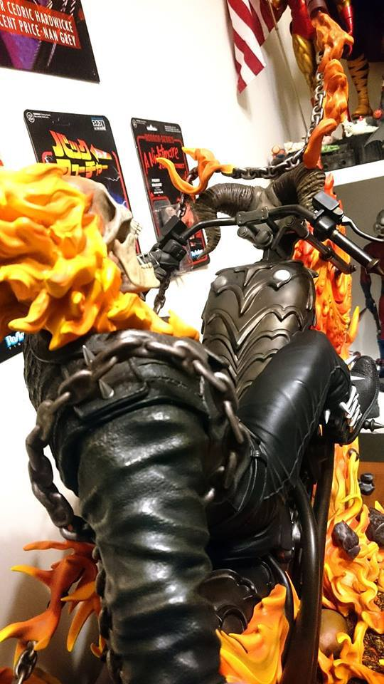 Premium Collectibles : Ghost Rider - Page 5 9qpbcj