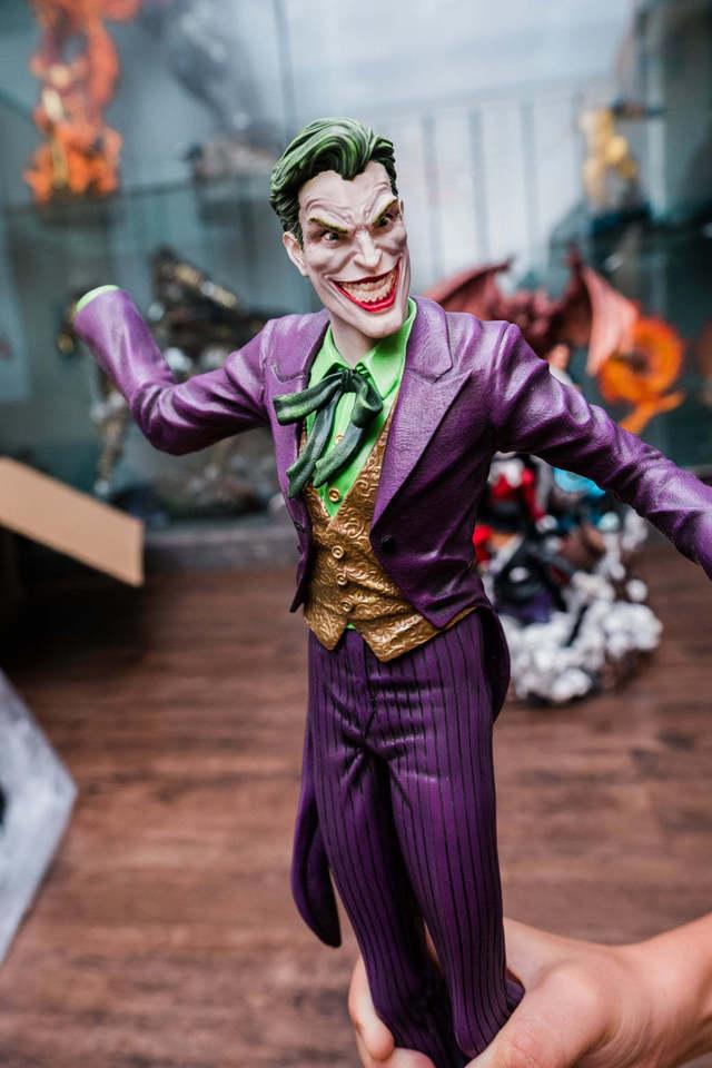 Batman diorama  9uvkzz