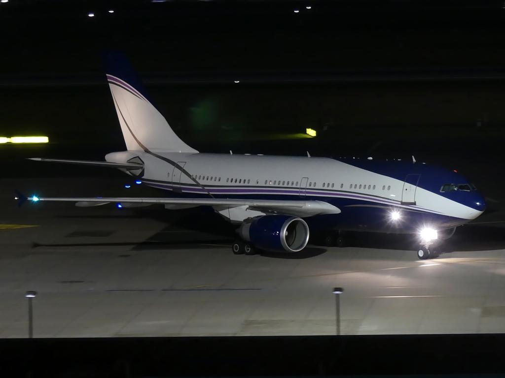 [Bild: airbusa310-300al-athenqqm0.jpg]