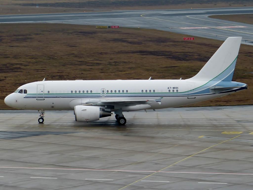 [Bild: airbusa319-100cjqatar9pk2f.jpg]