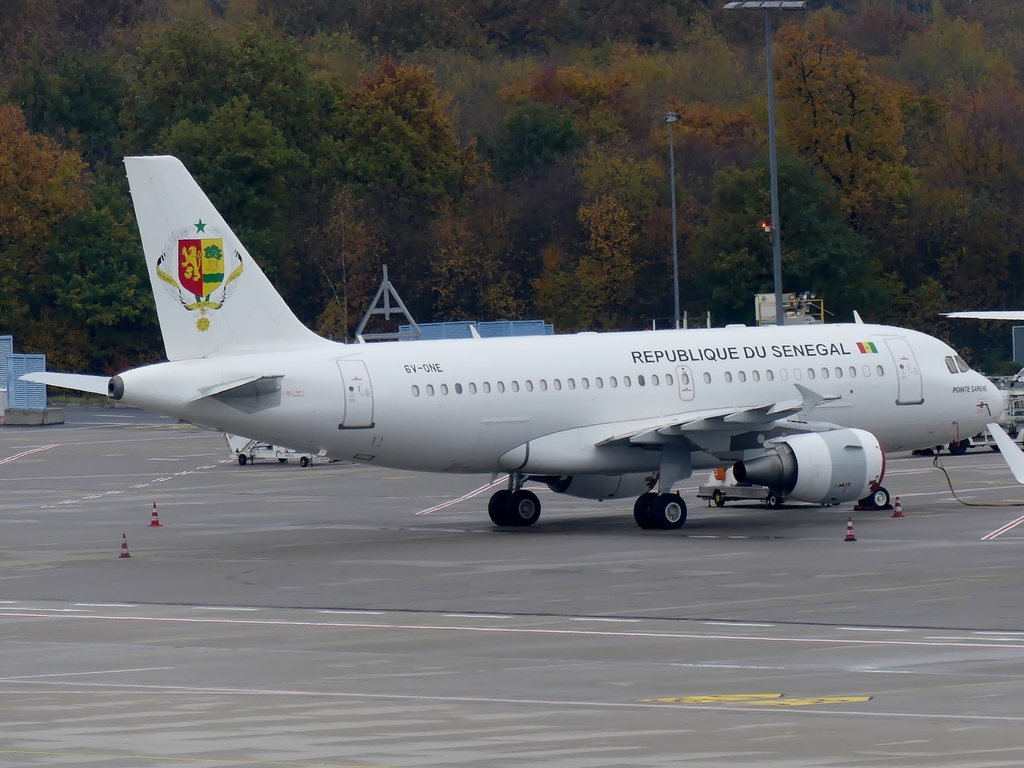 [Bild: airbusa319-100cjrepuba0u5p.jpg]