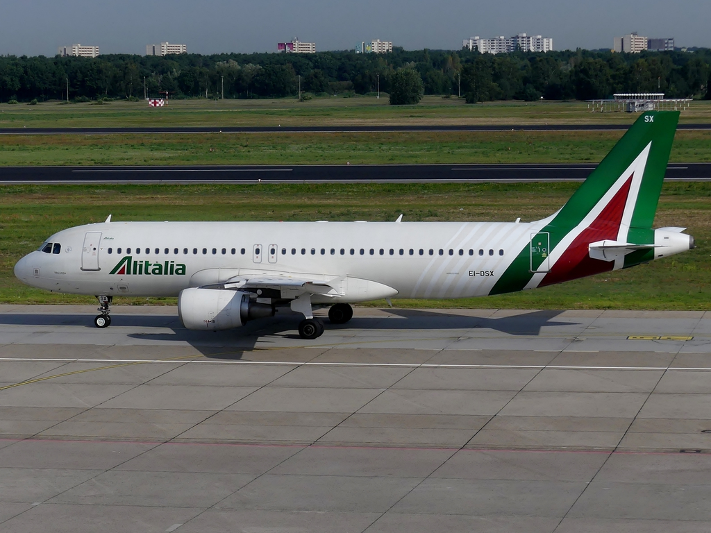 [Bild: airbusa320-200alitaliqvj2a.jpg]