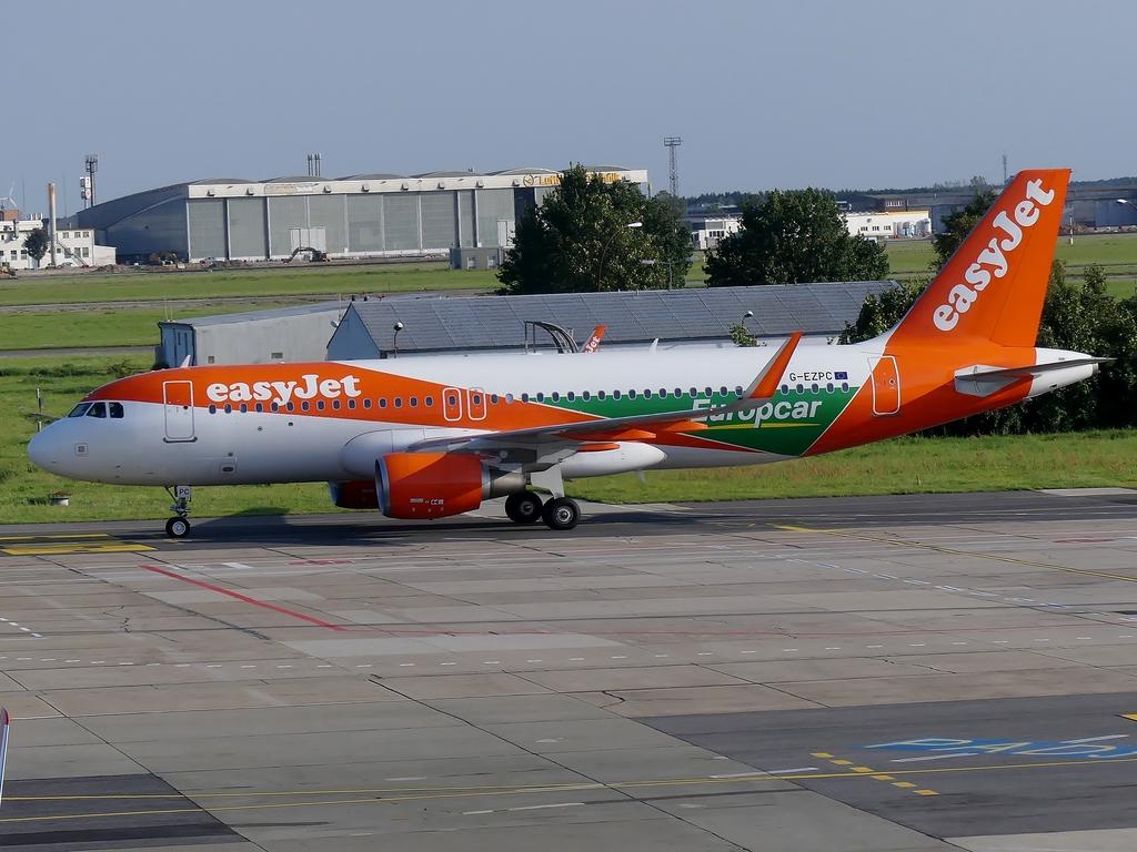 [Bild: airbusa320-200easyjetoljk3.jpg]