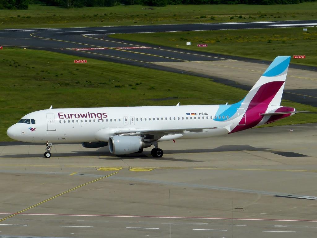 [Bild: airbusa320-200eurowinq9sgz.jpg]