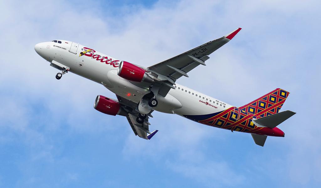 [Bild: airbusa320-200pk-lzhbpypcr.jpg]