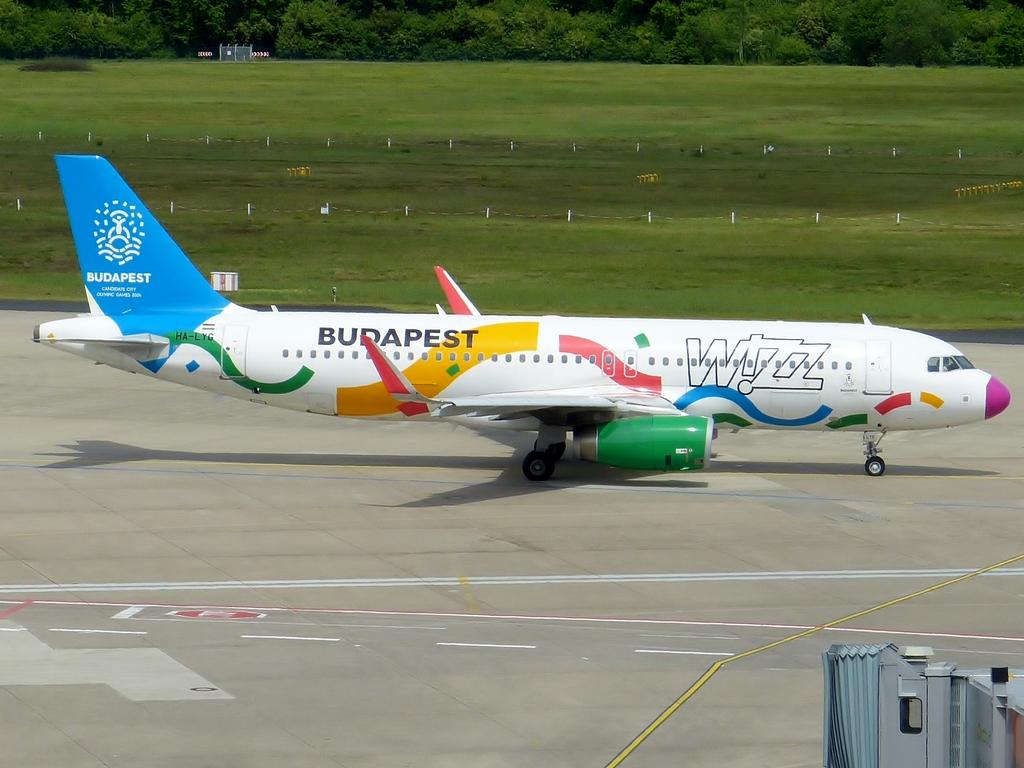 [Bild: airbusa320-200wizzairupsjl.jpg]
