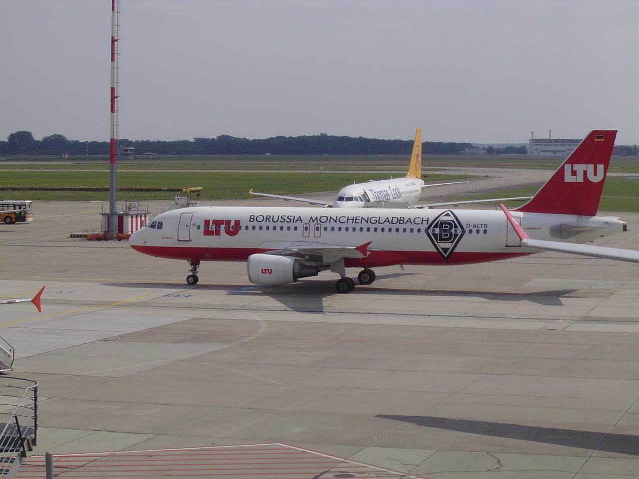 airbusa320ltumnchenglgzj09.jpg