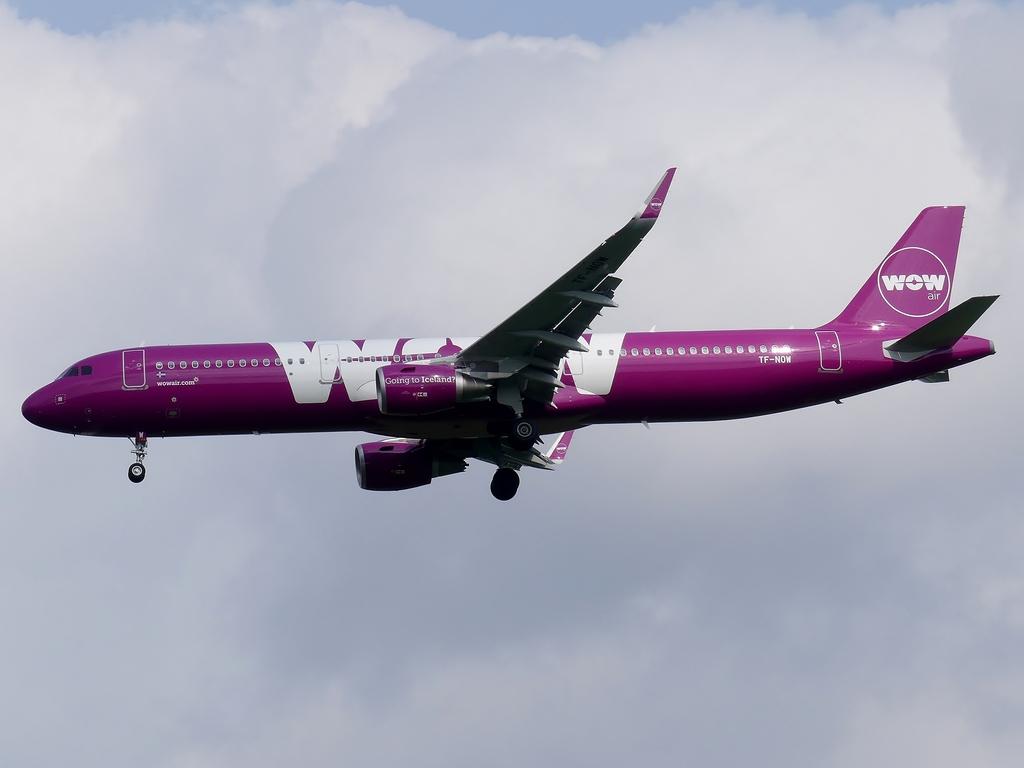 [Bild: airbusa321-200wowairt00kx4.jpg]