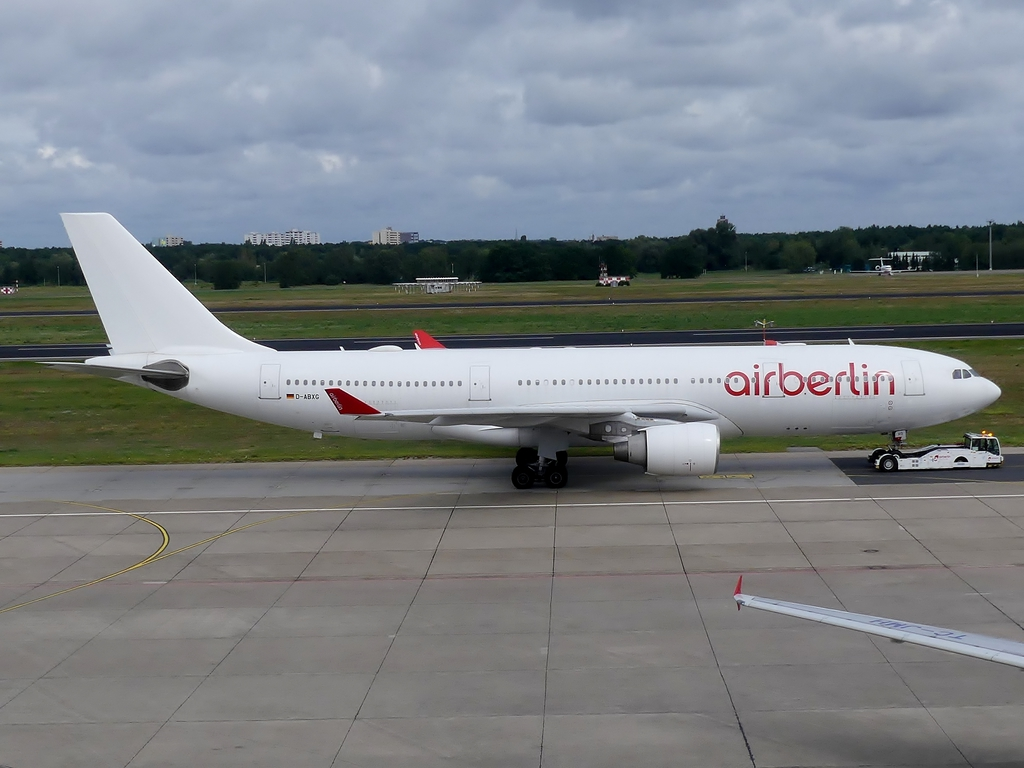 [Bild: airbusa330-200airberlrujsw.jpg]
