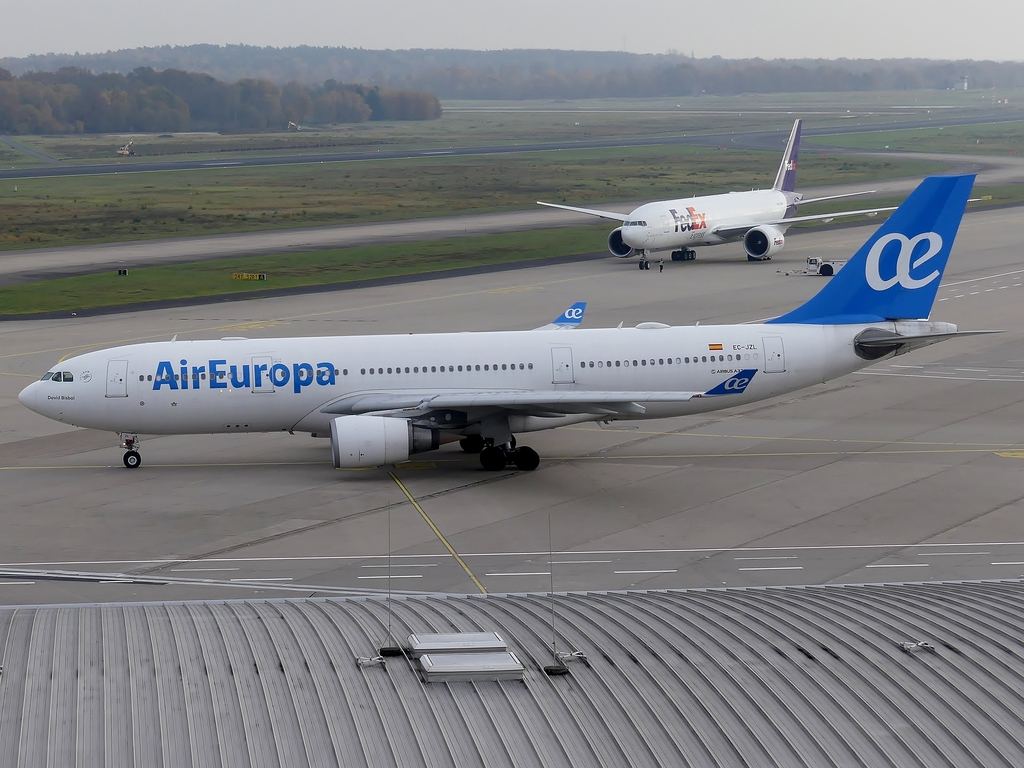 [Bild: airbusa330-200aireuroncptk.jpg]