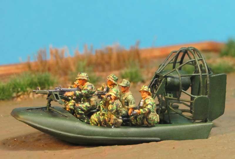 Tiger Stripe - Tarnuniform Vietnam 1/72 Aircat2-800hhk1d