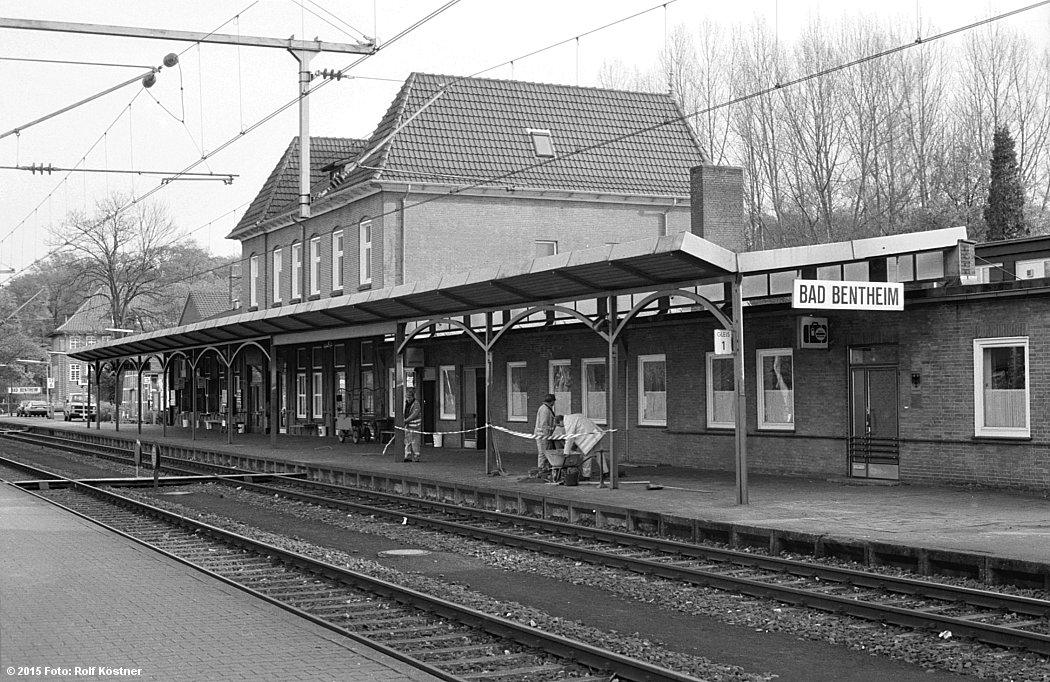 https://abload.de/img/badbenrheimbahnhofsgepddgt.jpg