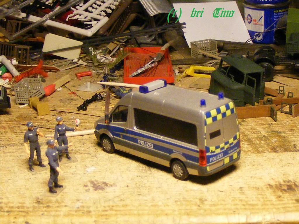 warum polizeiautos jetzt blau