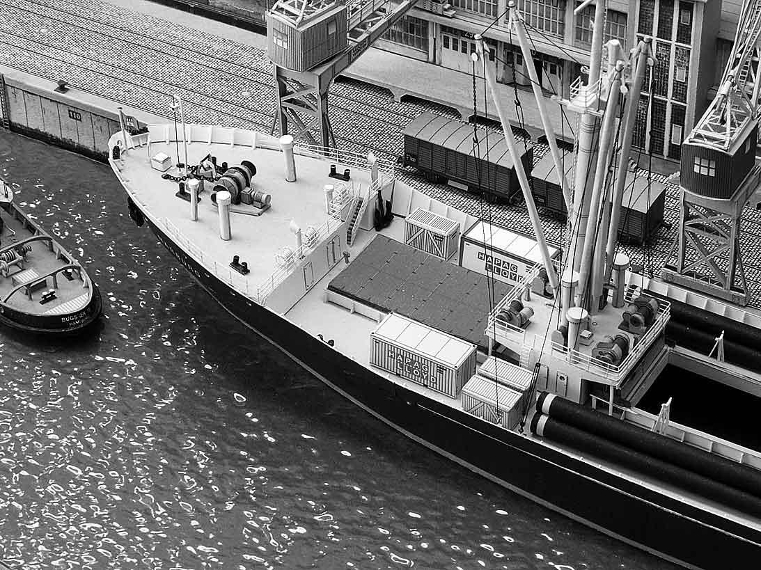 Un port - quelque part en Europe dans les années 60 Bild-93bj3q