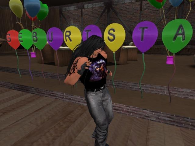 [Bild: birthdayparty10c2kjl.jpg]