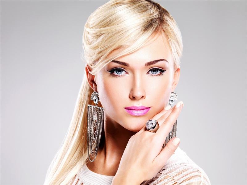 blonde-blue-eyes-girlnzk1l.jpg