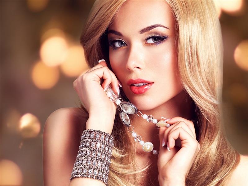 blonde-girl-eyes-face3jj7r.jpg