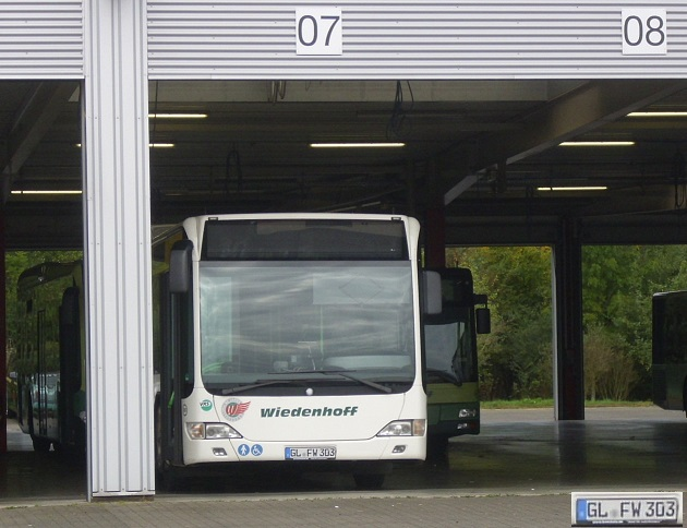 bus_fwa97jgs.jpg