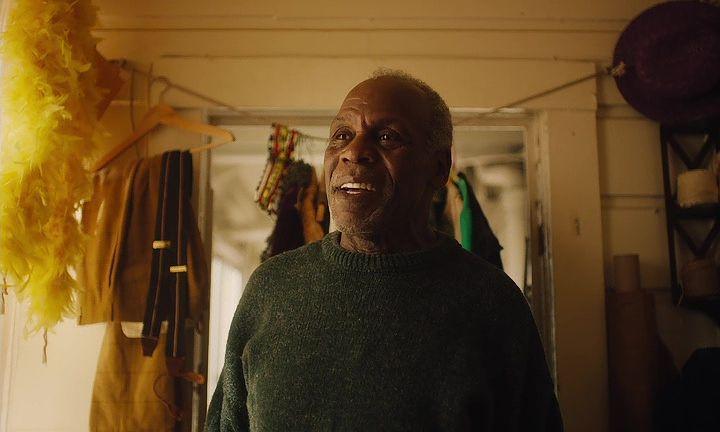 San Francisco' daki Son Siyah Adam indir Türkçe Dublaj Ekran Görüntüsü 2