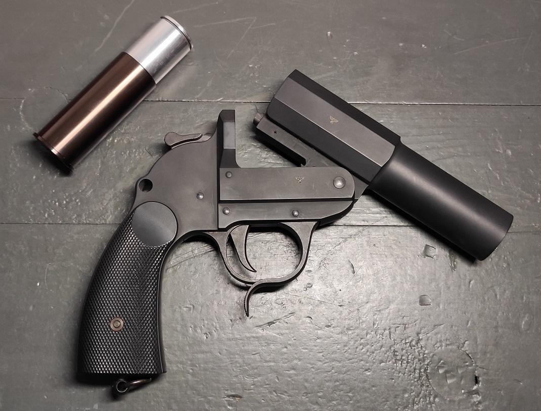 cawkampfpistole032pji8.jpg
