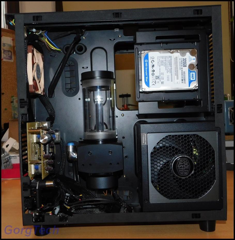 cooler-master-v550-12mar5o.jpg