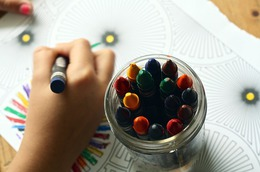crayons-1445053_640tusjy.jpg