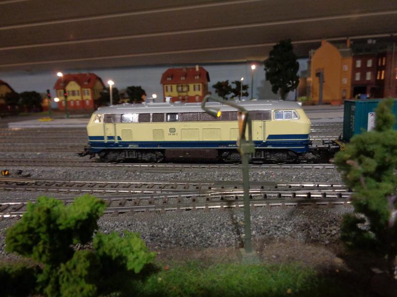 BR 216 188-3 hat eine Revision erhalten Dsc0011617kb9