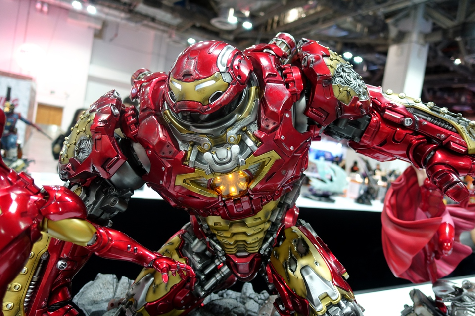 Premium collectibles : Hulkbuster** - Page 3 Dsc0012911k72
