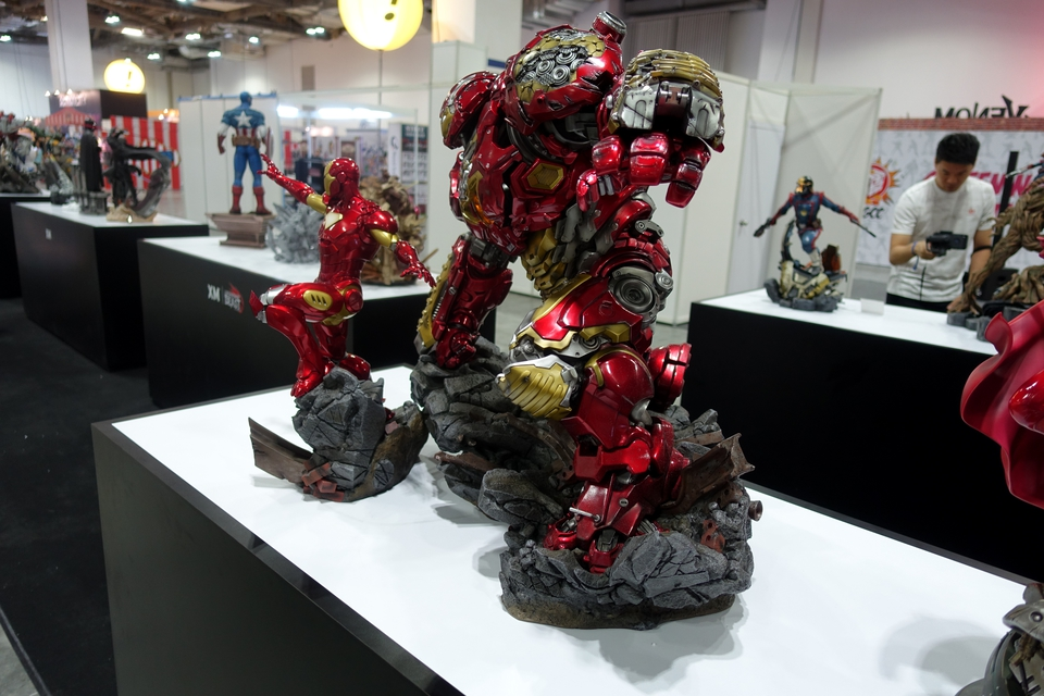 Premium collectibles : Hulkbuster** - Page 3 Dsc00133cyk3x