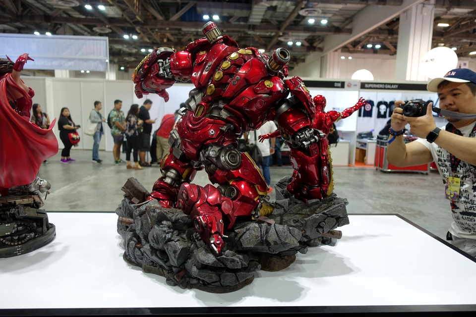 Premium collectibles : Hulkbuster** - Page 3 Dsc00136fnkw5